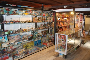 toy museum small